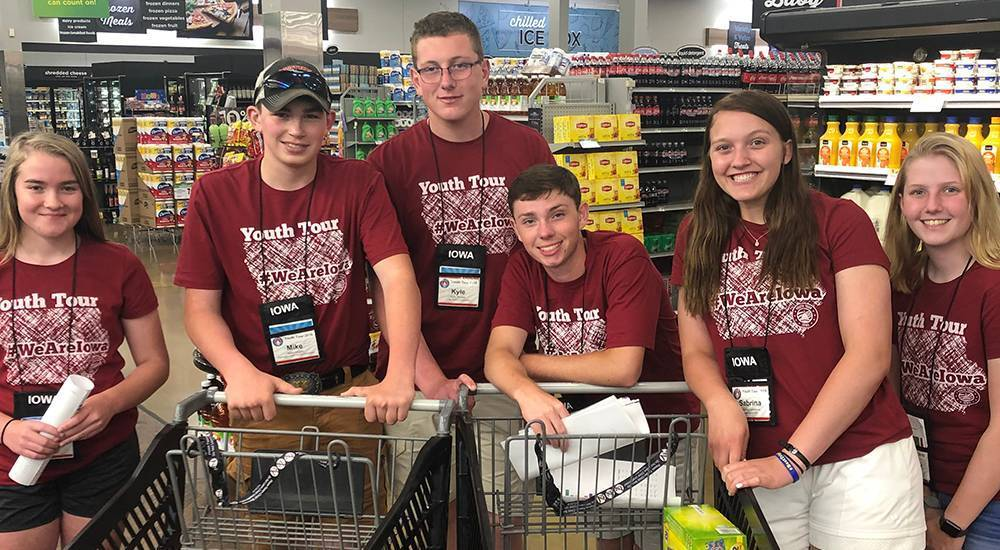 Iowa youth learn how to run a cooperative
